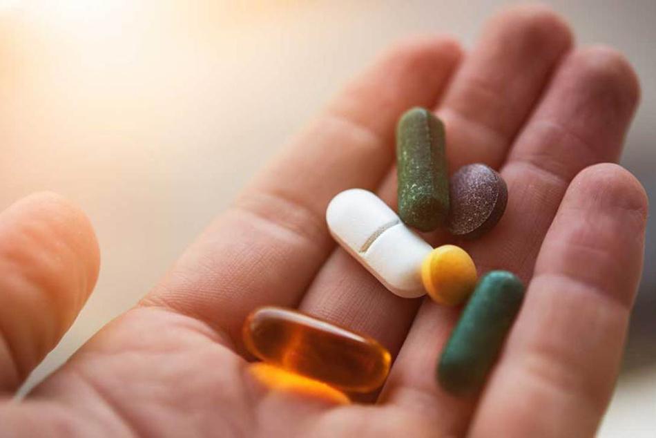 Bác sĩ có thể chỉ định đơn thuốc tùy vào sinh vật gây ra nhiễm trùng cổ tử cung